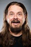 Кавказский человек с длинними волосами Стоковое Изображение RF