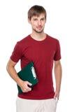 Кавказский человек с доской сзажимом для бумаги Стоковые Фотографии RF