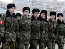 Кадеты корпуса кадета Москвы дипломатического подготавливают для парада 7-ое ноября на красной площади Стоковое фото RF