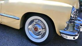 Кадиллак, ванильный желтый цвет, американский автомобиль 1940s, моделирует йогу Циновку 62 Coupe, 1947 Редкость! Гамбург, Германи Стоковое Изображение RF