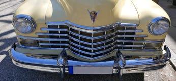 Кадиллак, ванильный желтый цвет, американский автомобиль 1940s, моделирует йогу Циновку 62 Coupe, 1947 Редкость! Гамбург, Германи Стоковые Фотографии RF