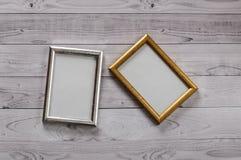 2 кадра для фото на свете, винтажной деревянной предпосылке Стоковое фото RF
