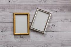 2 кадра для фото на свете, винтажной деревянной предпосылке Стоковые Фотографии RF