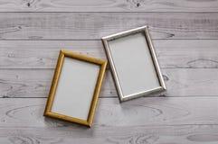 2 кадра для фото на свете, винтажной деревянной предпосылке Стоковое Изображение RF