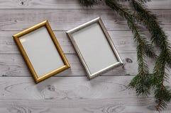 2 кадра для фото на свете, винтажной деревянной предпосылке Стоковые Изображения RF