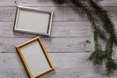 2 кадра для фото на свете, винтажной деревянной предпосылке Стоковая Фотография