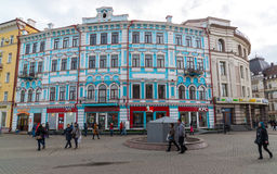 Казань, Россия - 26-ое марта 2017 Бывшее здание комнат гостиницы коммерчески было построено в 1906-1907 Улица Bauman Стоковые Фото