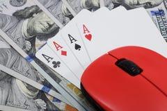 Казино онлайн, реальные деньги на долларах денег таблицы Стоковое Изображение RF