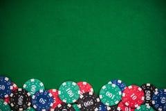 Казино покера откалывает предпосылку границы стоковые фото