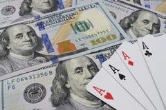 Казино, реальные деньги на долларах денег таблицы Стоковое фото RF