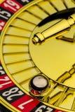 Казино рулетки играя в азартные игры стоковые фотографии rf