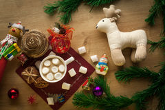 Какао рождества с зефиром и домодельными печеньями Стоковая Фотография RF