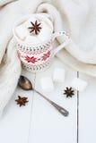 Какао с анисовкой зефира и звезды Стоковое Изображение RF