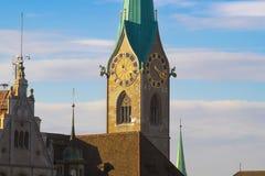 Как башня с часами сказов в Цюрихе стоковая фотография rf