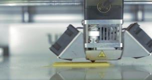Как голова печати работ принтера 3D