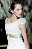 как невеста одетьнная женщина стоковое изображение
