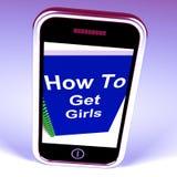 Как получить девушек на телефоне представляет получать подруг Стоковое Изображение RF