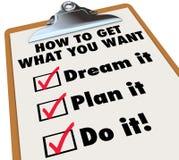 Как получить чему вы хотите контрольный списоок доски сзажимом для бумаги Стоковая Фотография RF