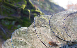 как премудрость людей рыболовства оборудования Крупный план белой сети fishnet внешней Стоковая Фотография