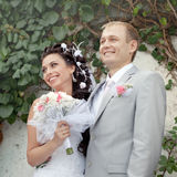 Как раз поженено в дне их венчание стоковые изображения