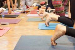 как раз расположите ослабьте йогу Стоковое Изображение RF