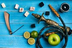 как табак фото предпосылки batural Турецкий куря кальян с вкусом табака зрелых зеленых яблока и известки Стоковая Фотография RF
