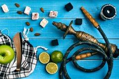 как табак фото предпосылки batural Турецкий куря кальян с вкусом табака зрелых зеленых яблока и известки Стоковые Фотографии RF