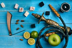 как табак фото предпосылки batural Турецкий куря кальян с вкусом табака зрелых зеленых яблока и известки Стоковая Фотография