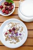 как muesli свежих фруктов еды диетпитания стоковое изображение rf