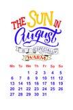 Календарь вектора на 2-ое августа 0 1 8 Нарисованная рука помечающ буквами цитаты для дизайна календаря Стоковое Изображение
