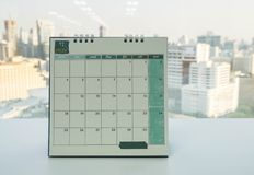 Календарь в ноябре стола для напоминания встречи и встречи в офисе стоковые изображения rf