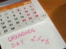 Календарь в феврале дня Groundhog, блокнот с датой 2-ое февраля Стоковое фото RF