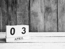 Календарь деревянного блока на деревянном столе Стоковое Изображение