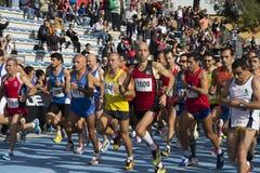 КАЛЬЯРИ, ИТАЛИЯ - 4-ое ноября 2012: 5-ый марафон половины - 4-ое мемориальное Delio Serra Стоковое Изображение RF