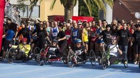 КАЛЬЯРИ, ИТАЛИЯ - 4-ое ноября 2012: 5-ый марафон половины - 4-ое мемориальное Delio Serra - Сардиния Стоковое Фото