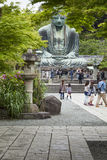 Камакура, Япония - 6-ое мая 2014: Большой Будда (Daibutsu) Стоковые Фото