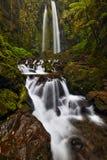 Каменистая централь Ява водопада Jumog Стоковые Фото