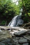 Каменистый водопад парка штата ручейка, Нью-Йорк, США стоковая фотография rf