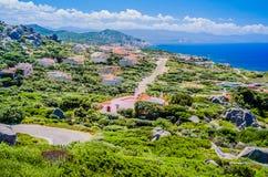 Каменистый путь прогулки в Косте Paradiso, Сардинии, Италии Стоковые Фотографии RF