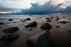 Каменистый пляж Балтийского моря Стоковые Изображения