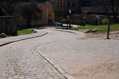 Каменная вымощая curvy дорога стоковое изображение