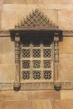 Каменная высекая мечеть rupmati rani окна Стоковые Изображения RF