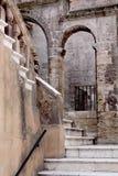 Каменная лестница в старом городе, Таранто, Апулия, Италия Стоковое Изображение RF