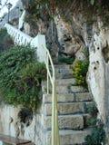 Каменная лестница на скале Стоковые Фотографии RF