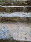 Каменная лестница с цементированной серой картиной шагов Ri лестницы Брайна Стоковые Фотографии RF