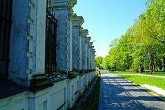 Каменная загородка православной церков церков весной Стоковая Фотография