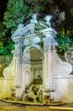 Каменная ноча осени Prigione фонтана в Риме, Италия Стоковое фото RF