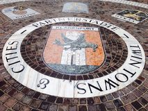 Каменная дорожка в старом городе Клагенфурте Австрии городка Стоковые Изображения RF