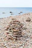 Каменная пирамида из камней Стоковые Изображения RF