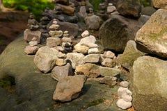 Каменная пирамида из камней Стоковая Фотография RF